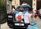 Người mẹ gây sốt khi tăng con trai 12 tuổi chiếc Rolls-Royce