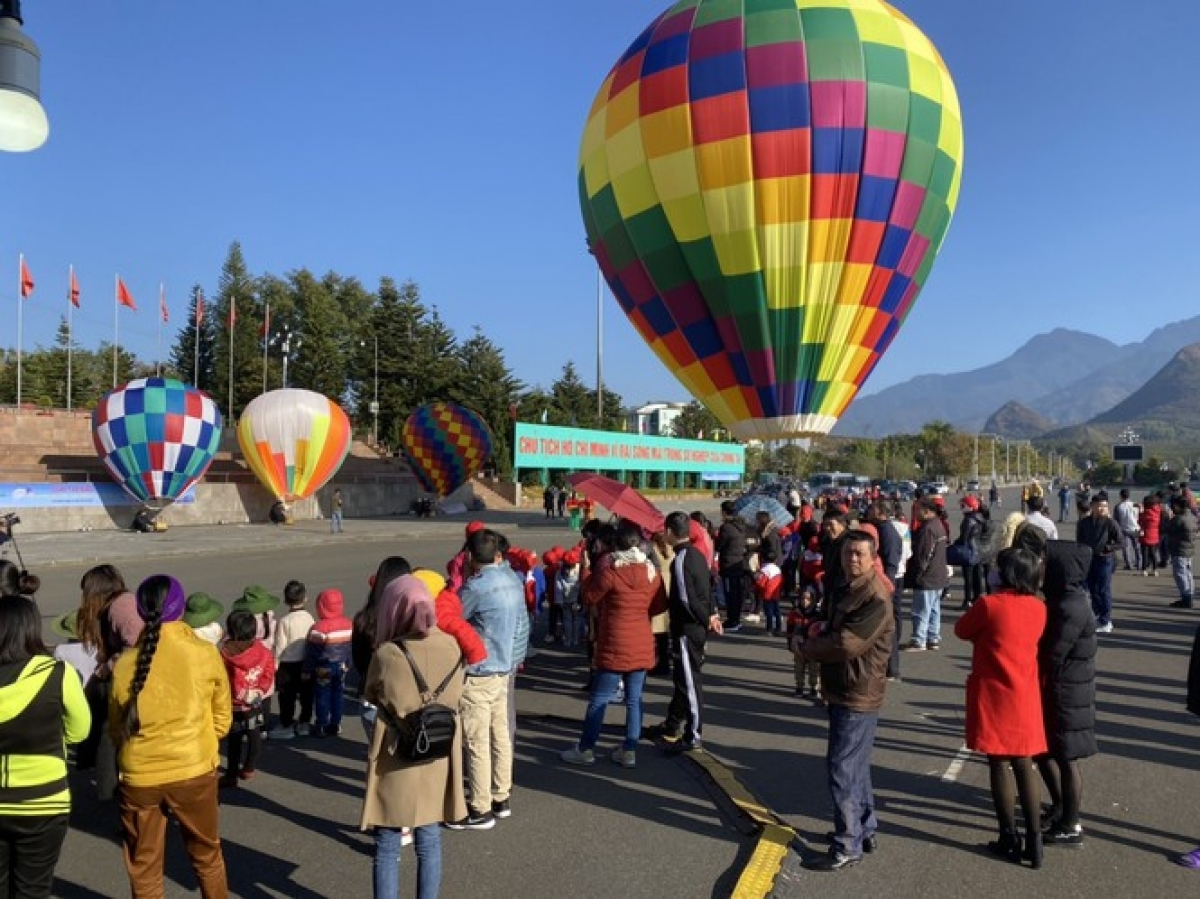 Lai Chau holds Open Putaleng Paragliding Tournament 2020