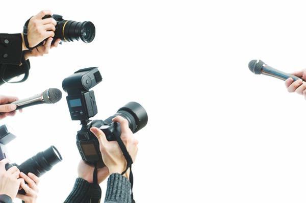 """Nhà báo phải xứng đáng vai trò người """"phò chính, trừ tà"""""""