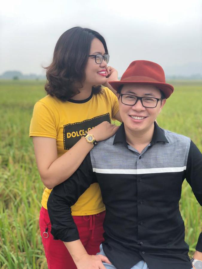 Chân dung vợ kém 10 tuổi của MC Lê Anh