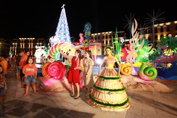 Lễ hội Noel rực rỡ sắc màu, ngập tràn cảm xúc ở Nam Phú Quốc
