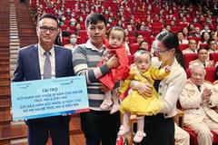 VBI tặng gói bảo hiểm 10 tỷ cho gia đình Trúc Nhi, Diệu Nhi