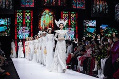 Ao Dai designer presents new collection