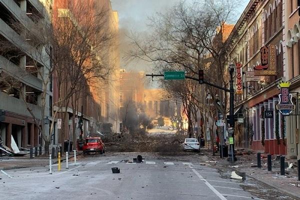 Ông Trump được yêu cầu ban bố tình trạng khẩn cấp sau vụ nổ Nashville