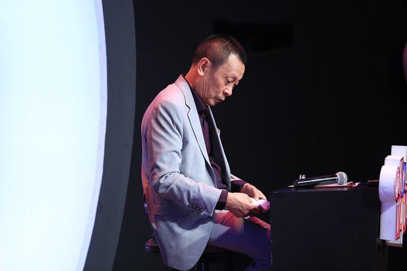 BTV Quang Minh khóc nghẹn nhớ về người bố đã mất