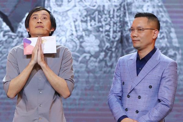 Hoài Linh nghẹn ngào vì đêm diễn thiếu Chí Tài