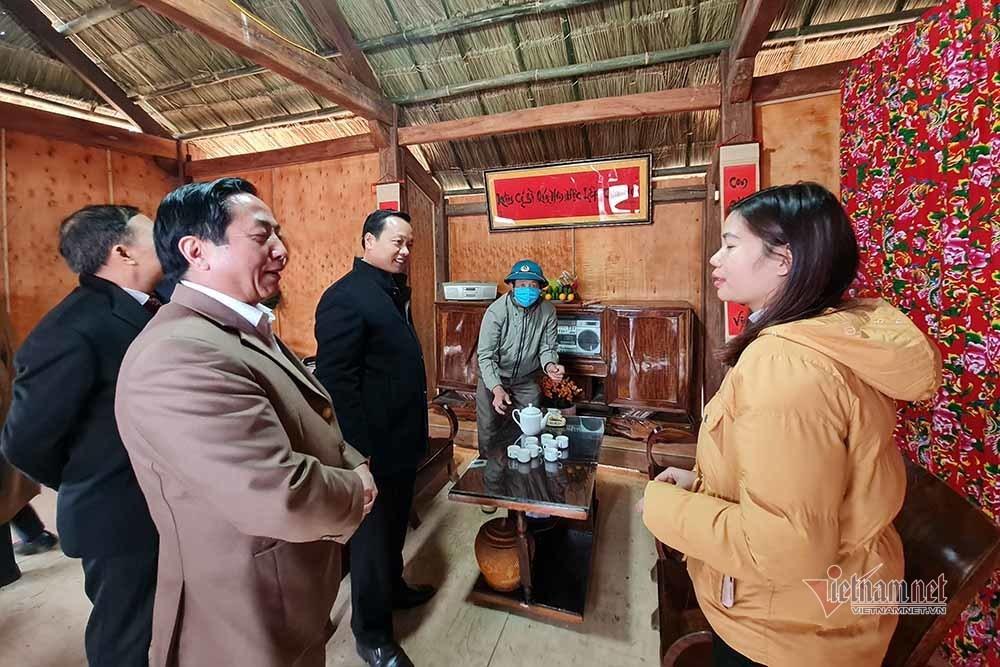Về Tam Đường tay nắm tay trong điệu xòe đoàn kết ở Lai Châu