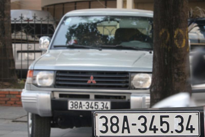 Che biển số ô tô, lộ rõ sự xấu xí của nhiều tài xế Việt