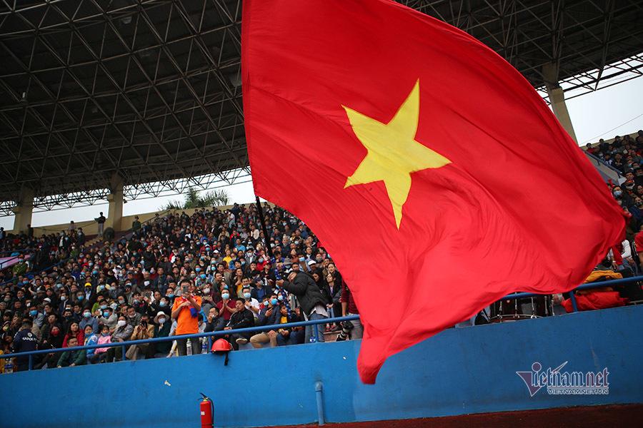Ba tiền đạo hay nhất Việt Nam khổ sở trước đàn em U22