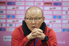 """HLV Park Hang Seo: """"Việt Nam không có ai hay hơn Công Phượng"""""""