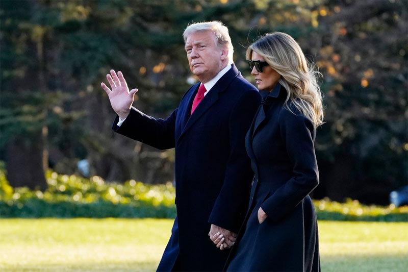 Ông Trump bất ngờ ký dự luật ngân sách, Chính phủ Mỹ thoát bị đóng cửa