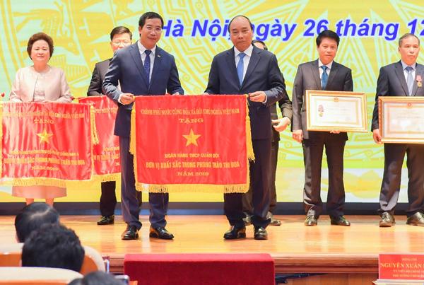 MB được Thủ tướng Chính phủ tặng Cờ thi đua