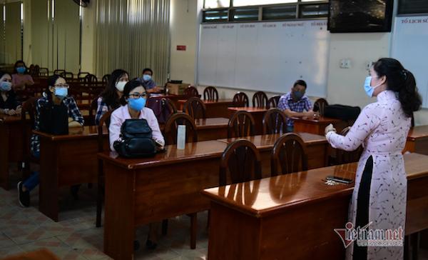 Thu nhập dịp Tết của giáo viên ở TP.HCM dự kiến giảm