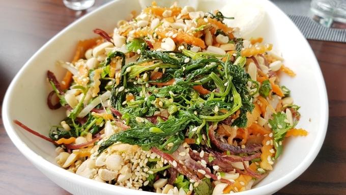 vietnam food,vietnam cuisine,vietnam delicacies,vietnam travel