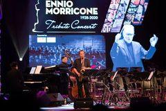 Đêm nhạc Ennio Morricone: Cơn gió mát lành của khởi sinh