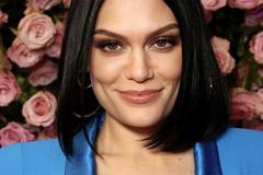 Jessie J bị rối loạn thính lực, tạm thời mất khả năng nghe