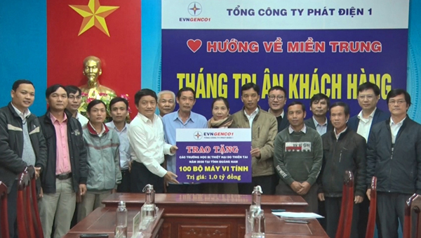 EVNGENCO1 tặng 100 bộ máy tính cho học sinh Quảng Nam