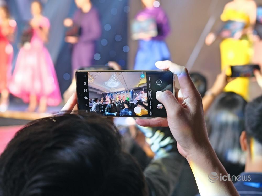Những smartphone được người Việt mua nhiều nhất năm 2020