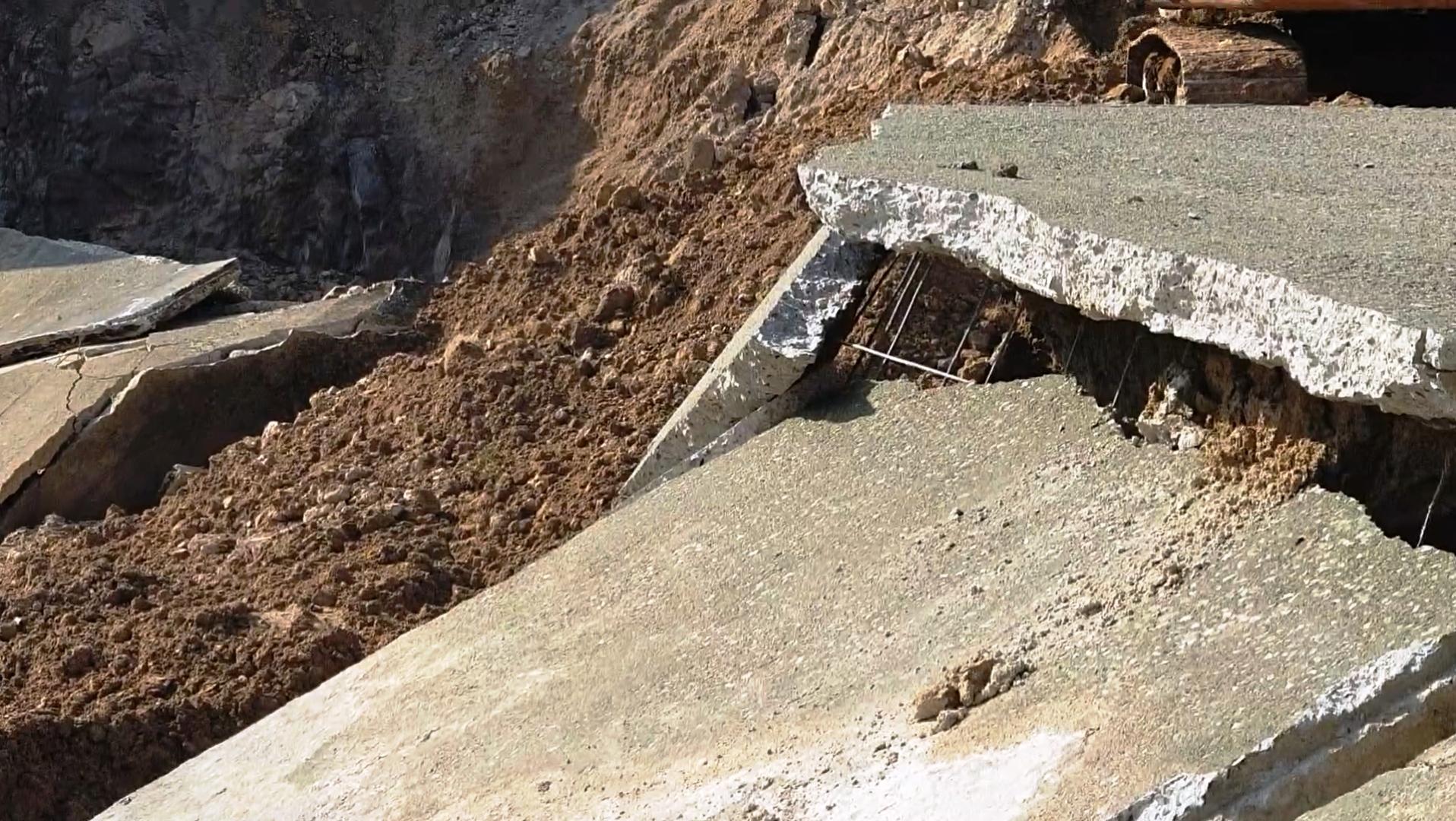 Vỡ kênh ở Thanh Hóa, gần 4ha đất lúa bị vùi lấp
