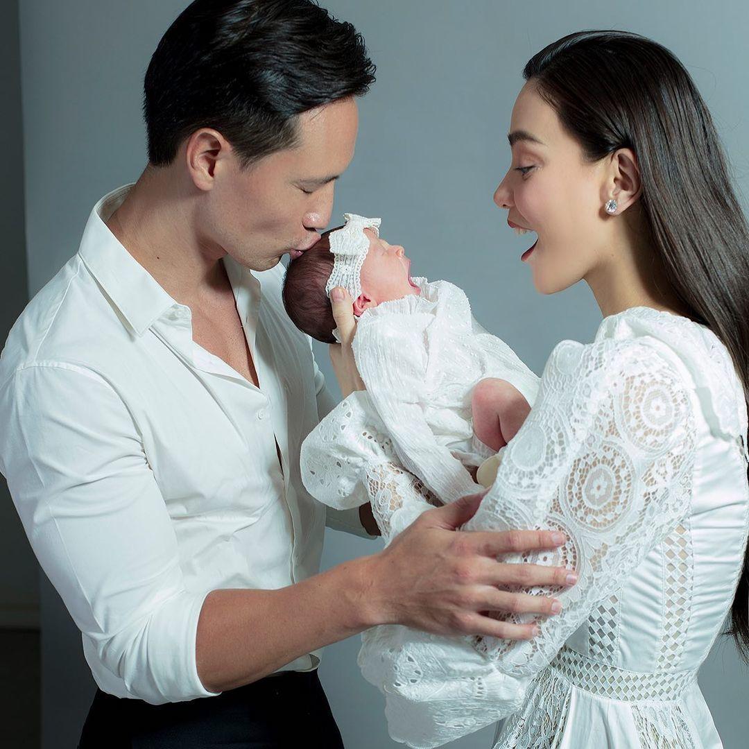 Ảnh mới ngọt ngào của Hồ Ngọc Hà, Kim Lý bên hai con