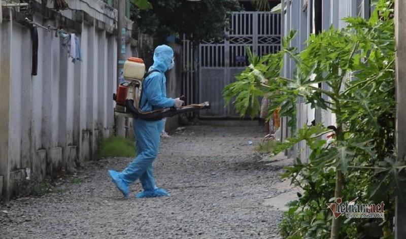 Thanh niên nhập cảnh 'chui' nhiễm Covid-19, quận 9 phong tỏa 18 căn nhà