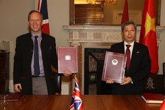 Vietnam, UK sign FTA