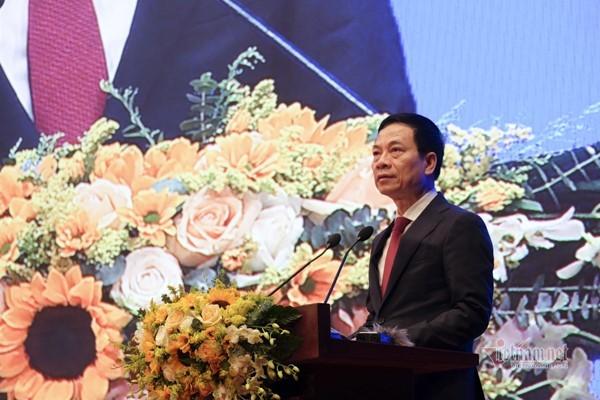 Toàn văn phát biểu của Bộ trưởng Nguyễn Mạnh Hùng tại hội nghị chuyển đổi số y tế