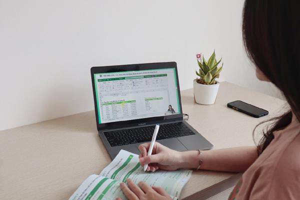 Ứng dụng công nghệ tiên tiến vào giảng dạy tin học văn phòng