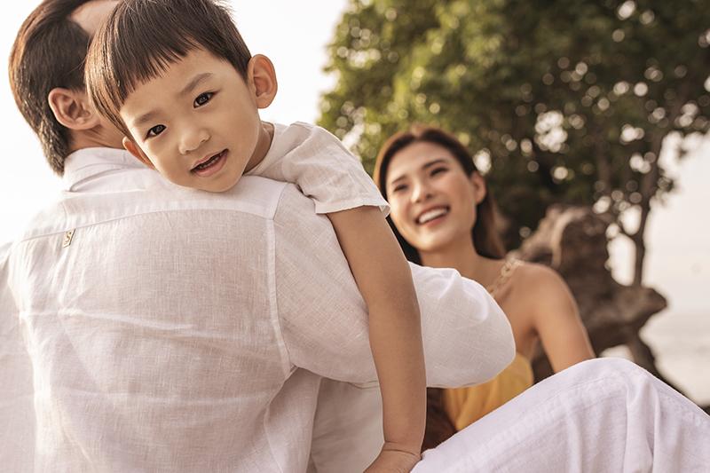 Khoảnh khắc ngọt ngào của gia đình Lương Thế Thành - Thuý Diễm