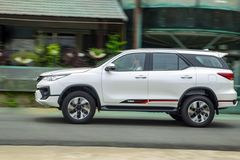 Low-cost cars remain dream for Vietnamese