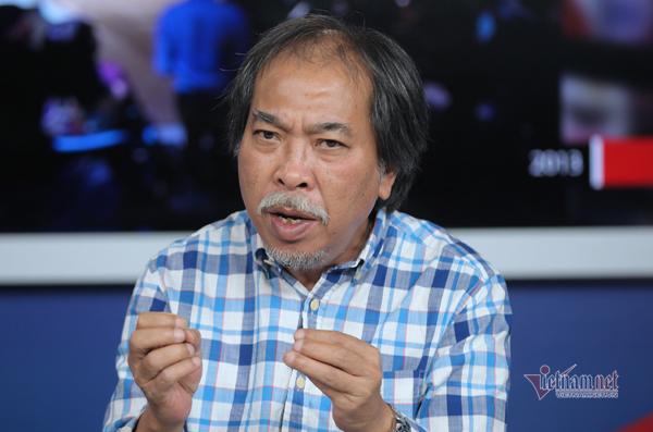 Nhà thơ Nguyễn Quang Thiều: 'Tôi là người đi ngang qua cánh đồng hội hoạ'