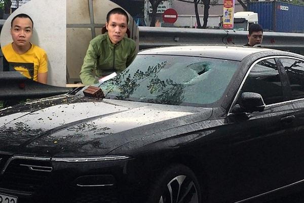 Bắt khẩn cấp 2 thanh niên đập phá xe sang ở Đà Nẵng
