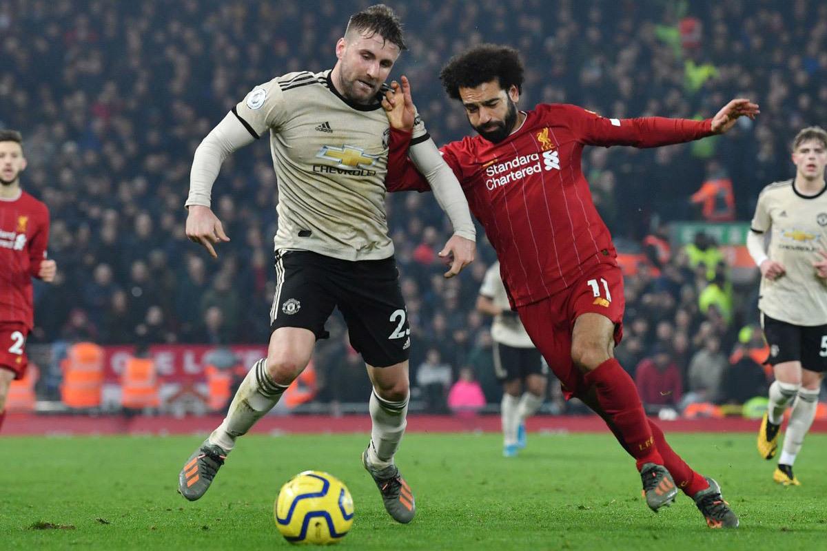 Liverpool hụt hơi: Thời cơ của MU