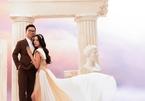 Á hậu Thúy An gợi cảm bên chồng tiến sĩ trong ảnh cưới lãng mạn