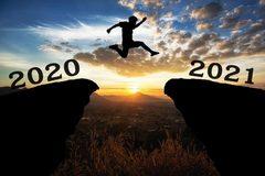 Di sản 2020 phủ bóng u ám lên bức tranh thế giới 2021