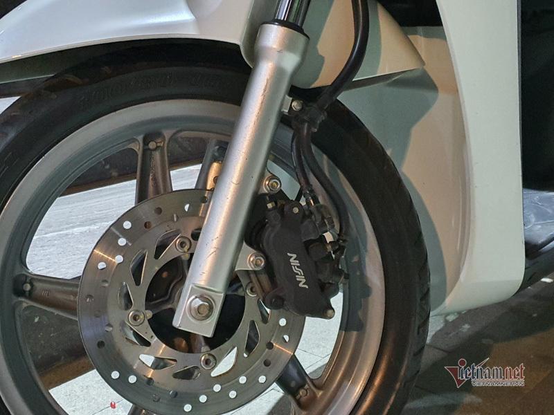 Honda SH hơn 10 năm tuổi biển lộc phát rao bán 180 triệu ở Hà Nội