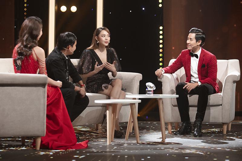 MC Nguyên Khang xúc động khi Minh Hằng tiết lộ tuổi thơ cơ cực