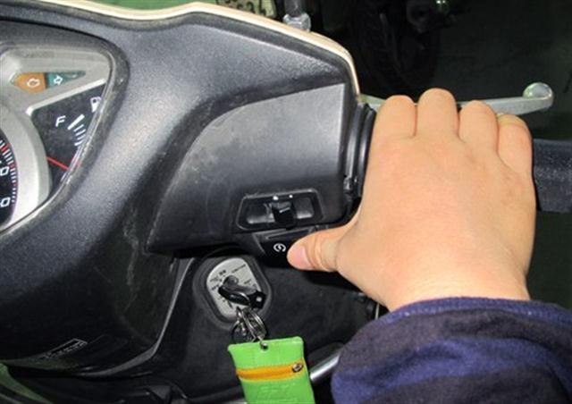 Đi xe tay ga, những cách đơn giản để tiết kiệm xăng