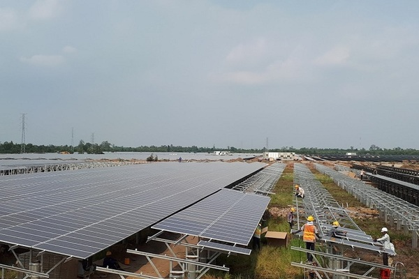 Giảm phát năng lượng tái tạo, tăng cường điện truyền thống