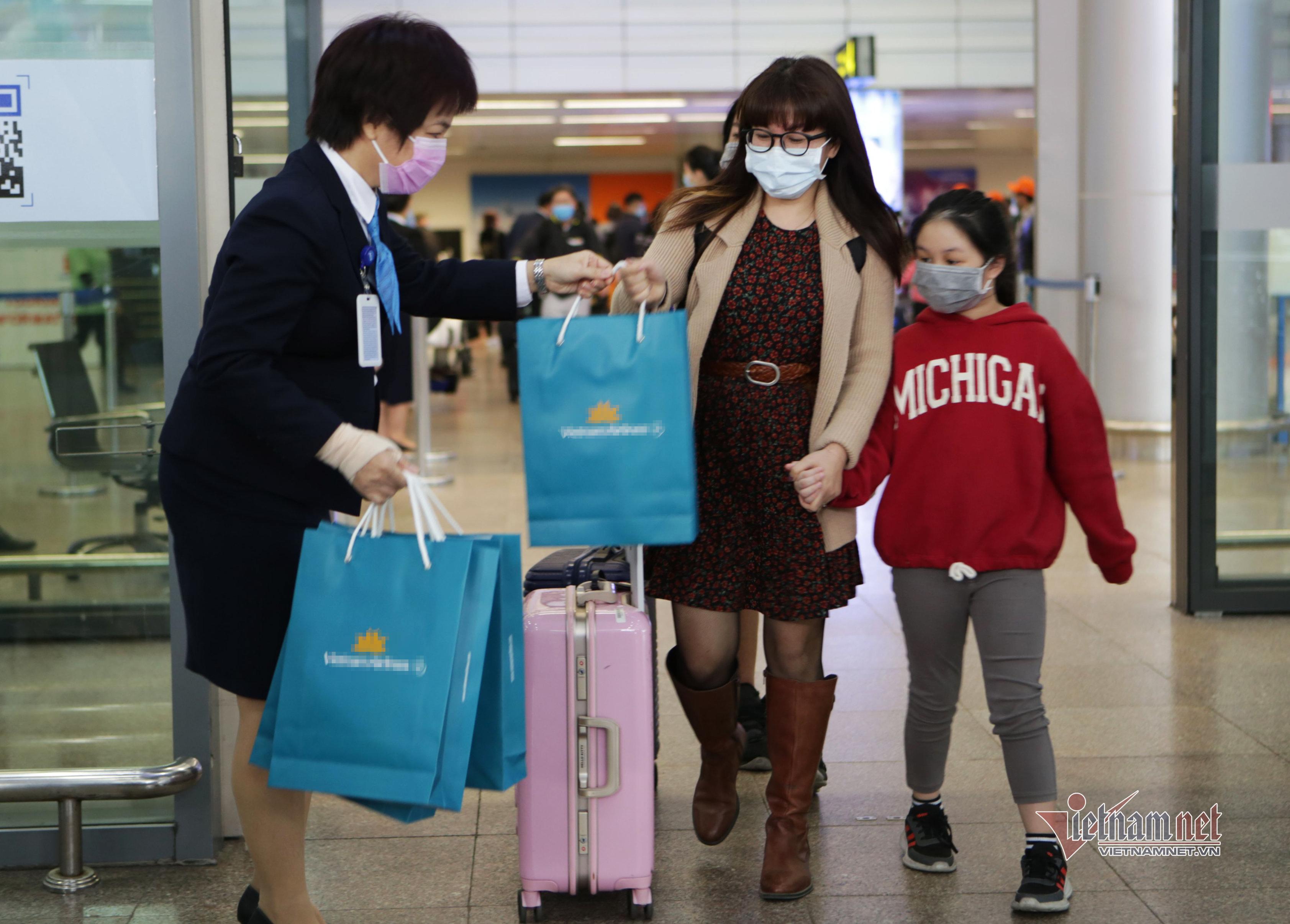 Đà Nẵng đón chuyến bay đầu tiên năm 2021