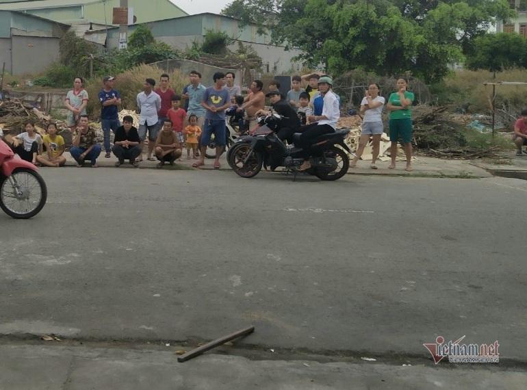 Nam thanh niên bị đâm chết trước chợ ở Bình Dương