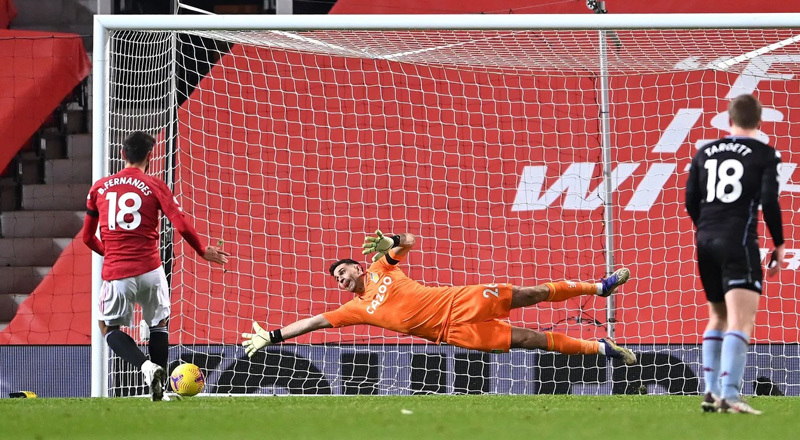 Đả bại Aston Villa, MU phả hơi nóng vào gáy Liverpool