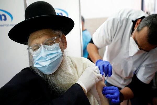 Hàng trăm người dân Israel mắc Covid-19 dù đã tiêm vắc-xin