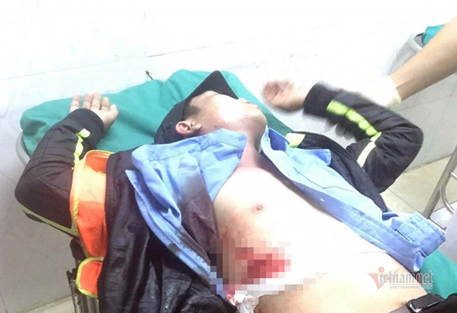 Nhân viên trạm BOT ở Khánh Hòa bị đâm trọng thương
