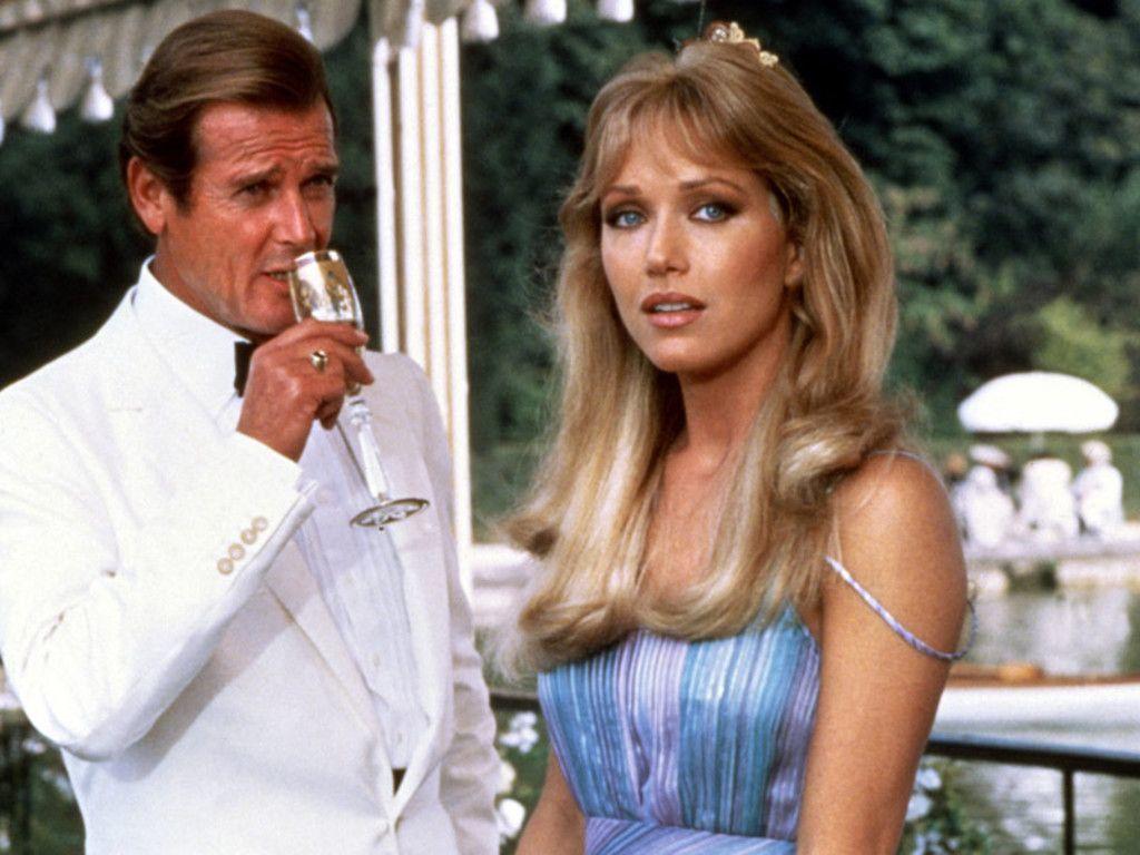 Bondgirl Tanya Roberts qua đời ở tuổi 65 vì đột quỵ
