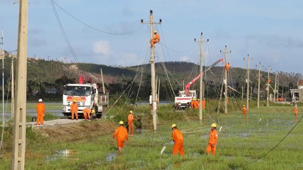 Những nỗ lực 'vượt khó' đầy ấn tượng của Điện lực miền Nam
