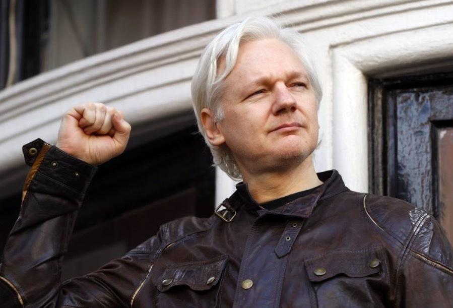 Anh từ chối dẫn độ ông trùm WikiLeaks sang Mỹ