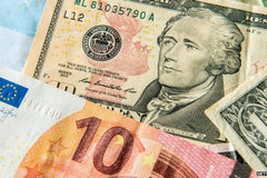 Tỷ giá ngoại tệ ngày 25/3: USD tăng vọt