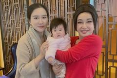 Lưu Hiểu Khánh lại gây sốc với gương mặt khác lạ ở tuổi 71