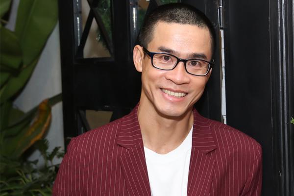 'Nhà thơ triệu bản' Phong Việt: Tôi không thể sống bằng viết thơ